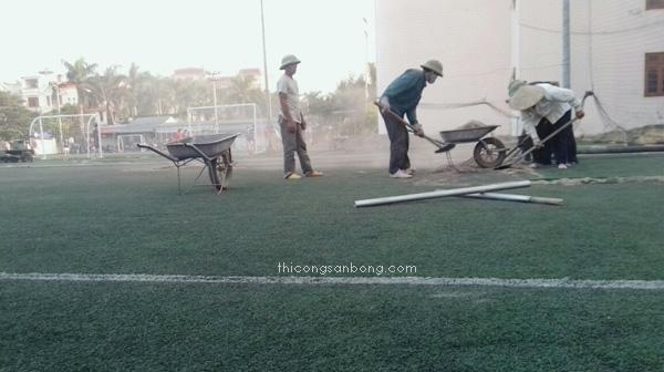 Sửa chữa sân bóng đá