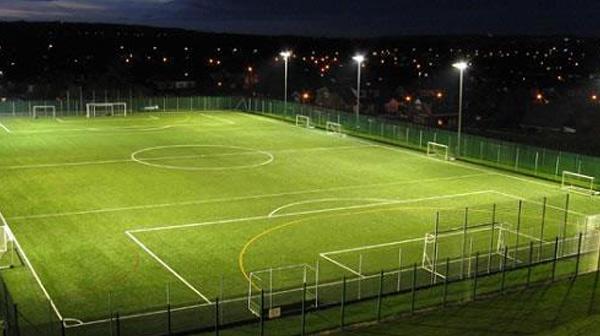 Chiều dài sân bóng đá nhân tạo